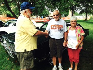 Curt & Pat Hite receiving the Mayor's Award for their 1970 Chevy Monte Carlo Hardtop