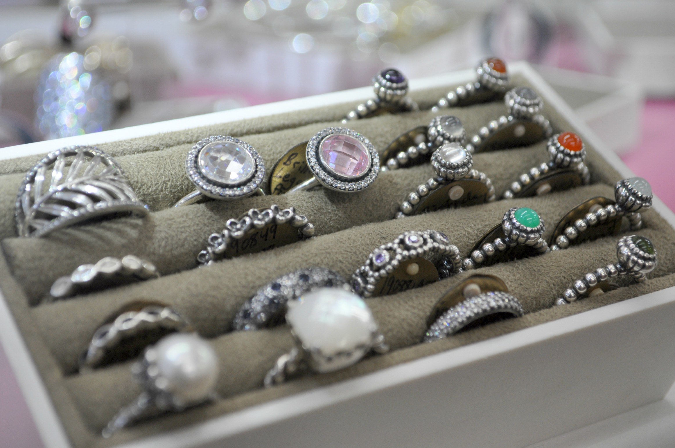 Bill's Jewelry Shop will host a liquidation sale which will run now until Christmas.
