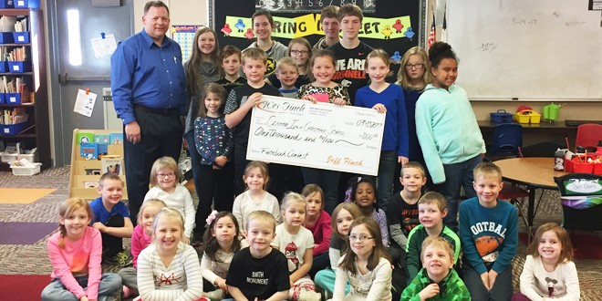 Wes Finch Auto Plaza Awards $1,000 Donation to Central Iowa Christian School!